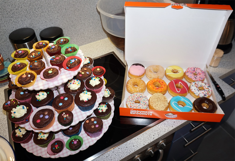 cupcakes & doughnuts